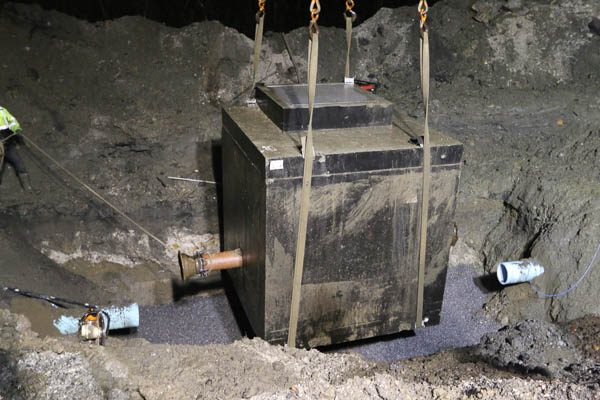 The PRV Vault hovering in the hole
