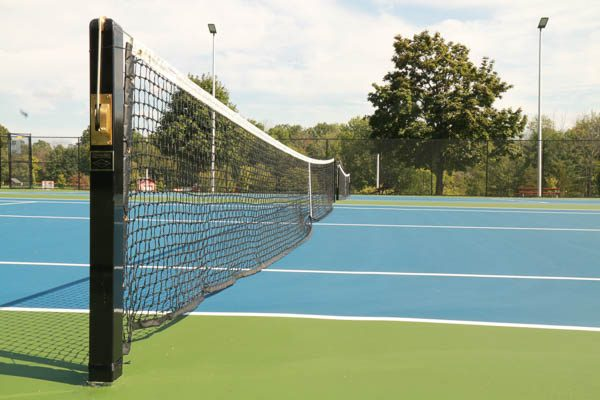Tennis court netting