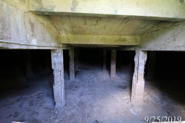 Underground water treatment structure