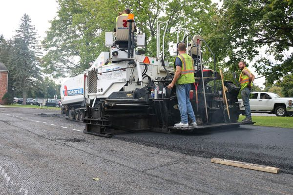 Presidential Estates laying out asphalt