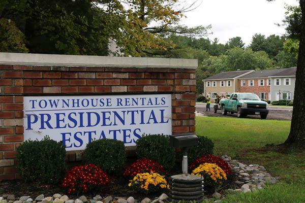 Presidential Estates entrance sign