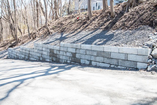 Ilion retaining wall